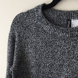 Divided Black and White marl sweater S